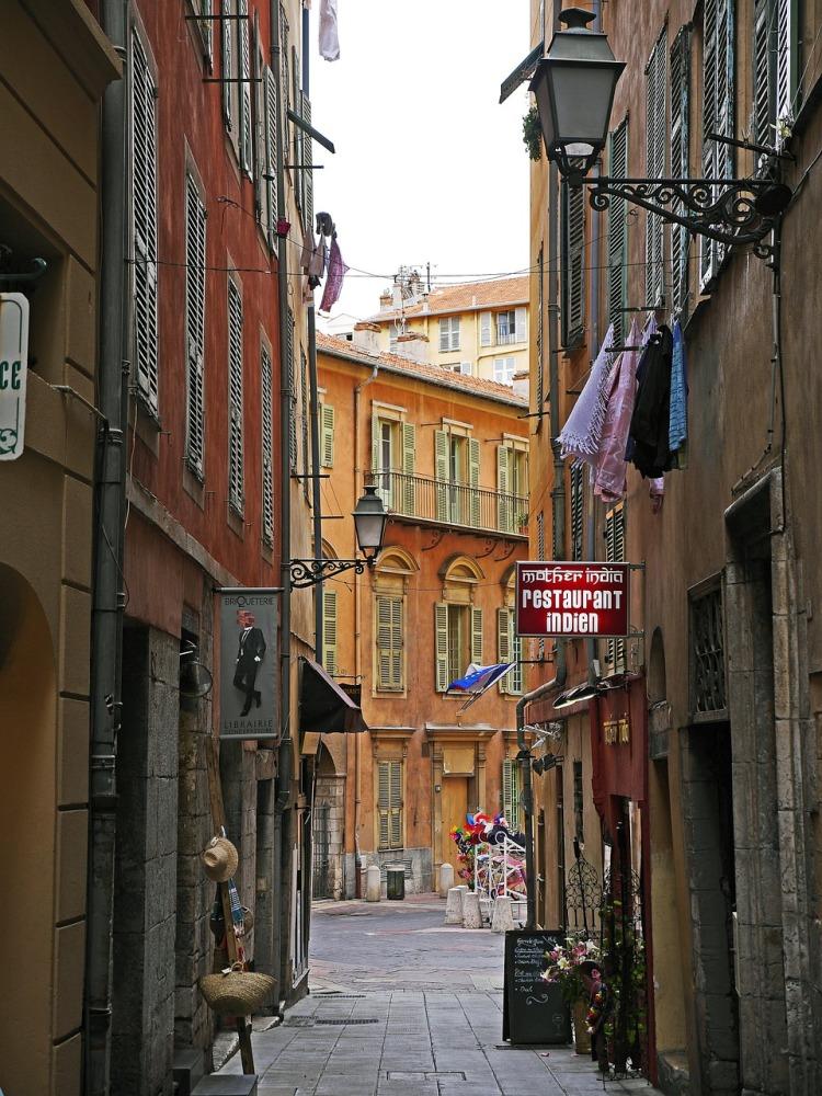 old-town-lane-1495273_1280