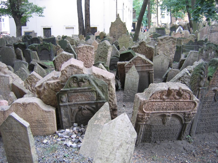 Old_Jewish_Cemetery,_Prague_053