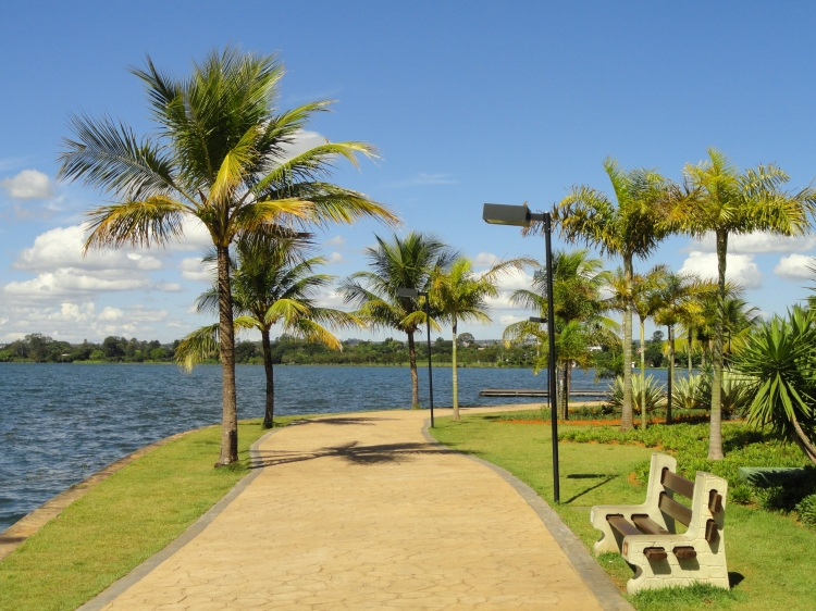 Paranoá_Lake_from_Pontão_do_Lago_Sul_-_Brasilia_-_DSC00229