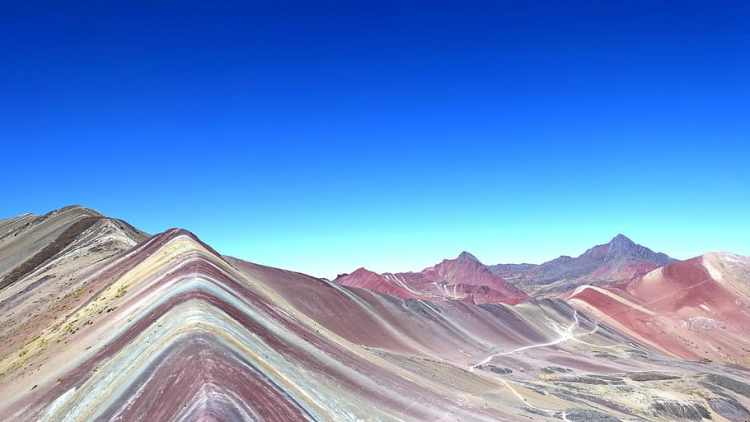 peru-cusco-vinicunca-colorful-rainbow-mountain-montana-de-siete-colores