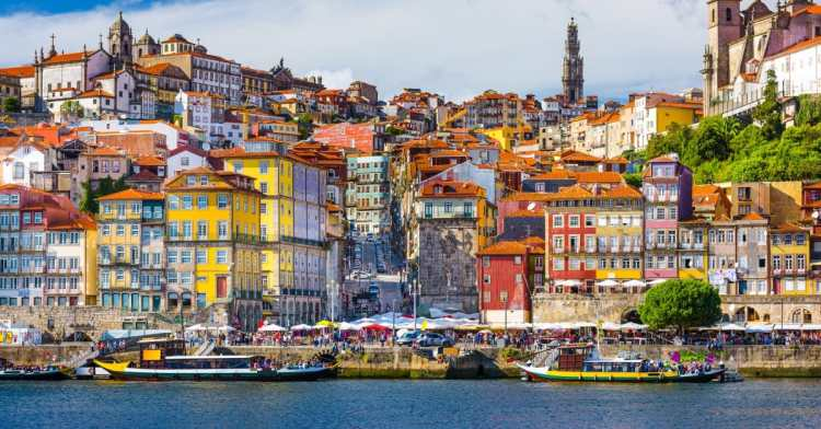 Porto-Portugal-Old-City-472119842_6001x4001.jpeg