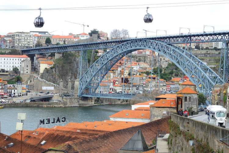 Porto_DSCN5168_(33113278772).jpg