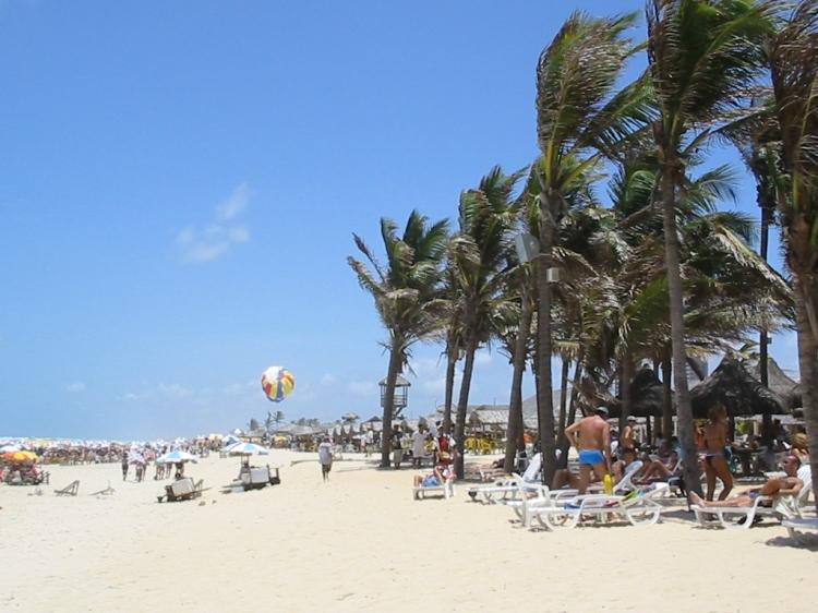 Praia_do_Futuro_-_panoramio