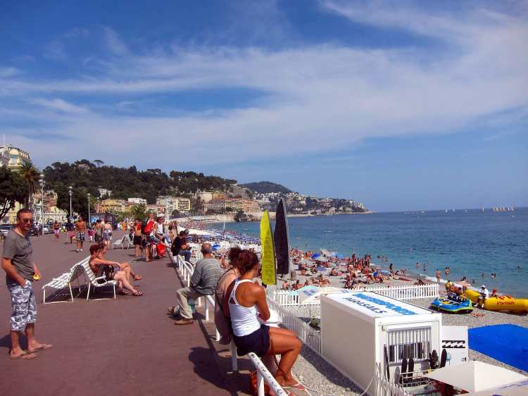 Promenade_des_Anglais_in_Nice.jpg