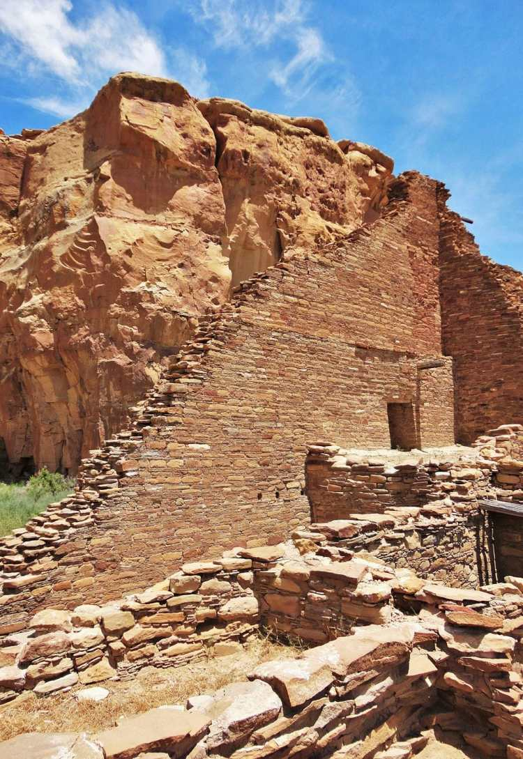 Pueblo_Bonito,_Chaco_Canyon_New_Mexico.JPG