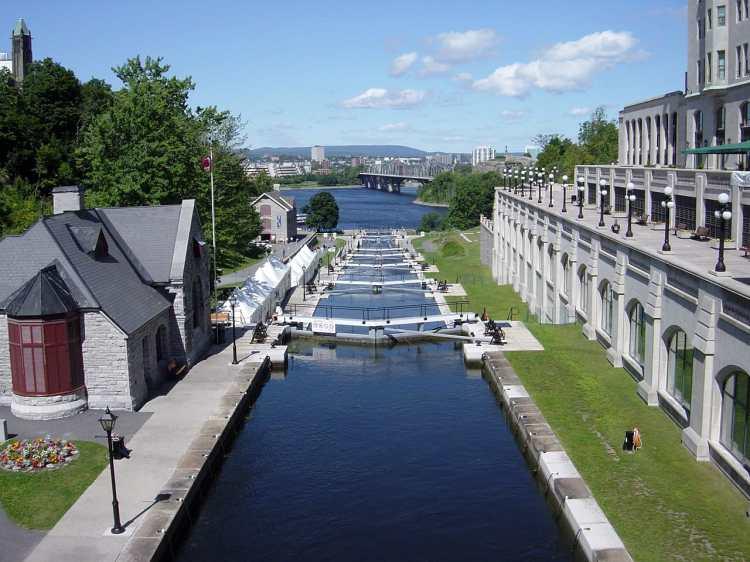 Rideau_Canal.jpg