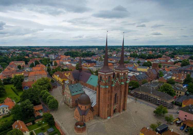 Roskilde_Cathedral_aerial.jpg