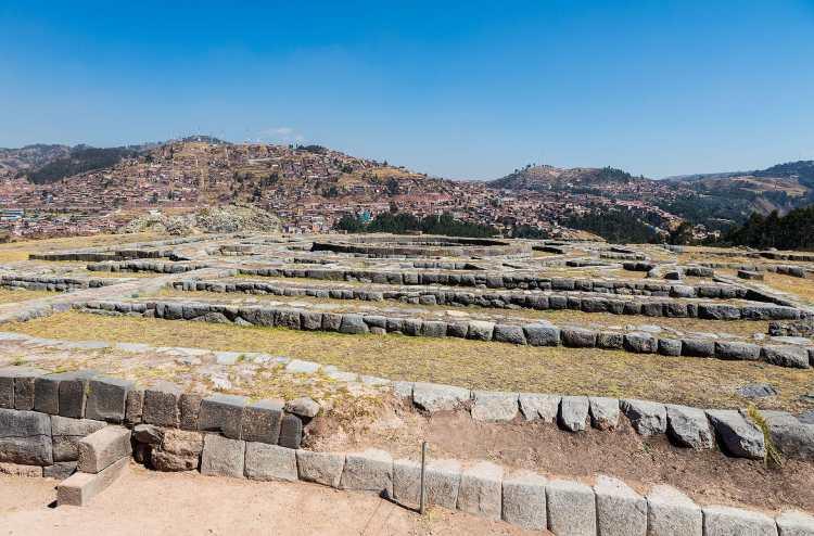 Sacsayhuamán,_Cusco,_Perú,_2015-07-31,_DD_21