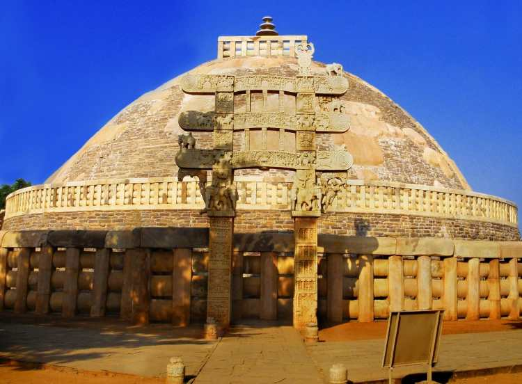 Sanchi_Stupa_from_Eastern_gate,_Madhya_Pradesh