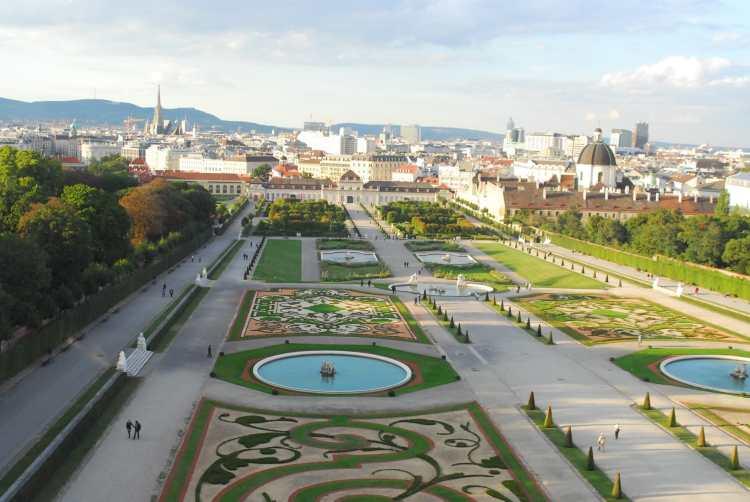 Schlosspark_Belvedere_Wien.jpg