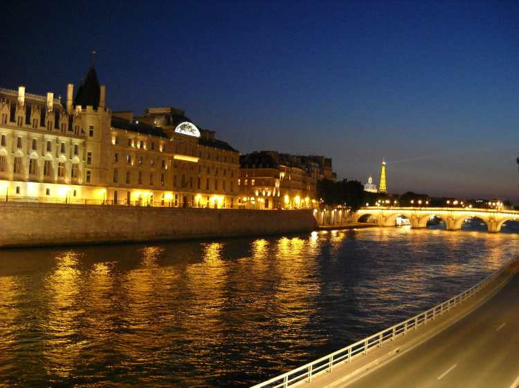 Seine_by_Eiffel (1)