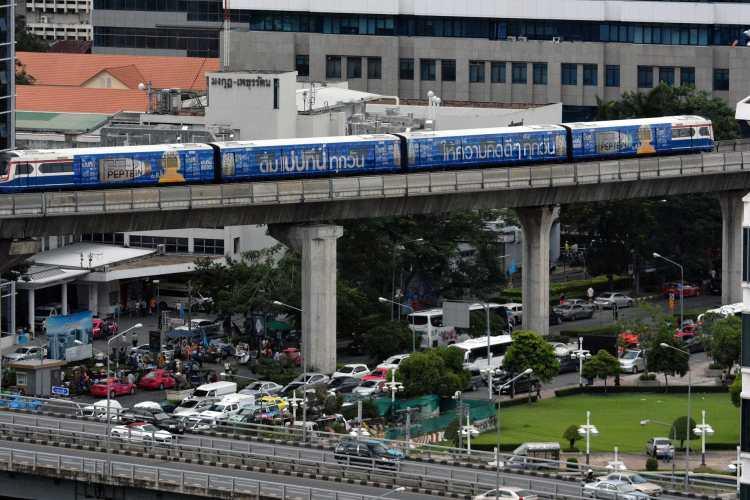 Sky_Train_Silom_Bangkok_Photo_D_Ramey_Logan