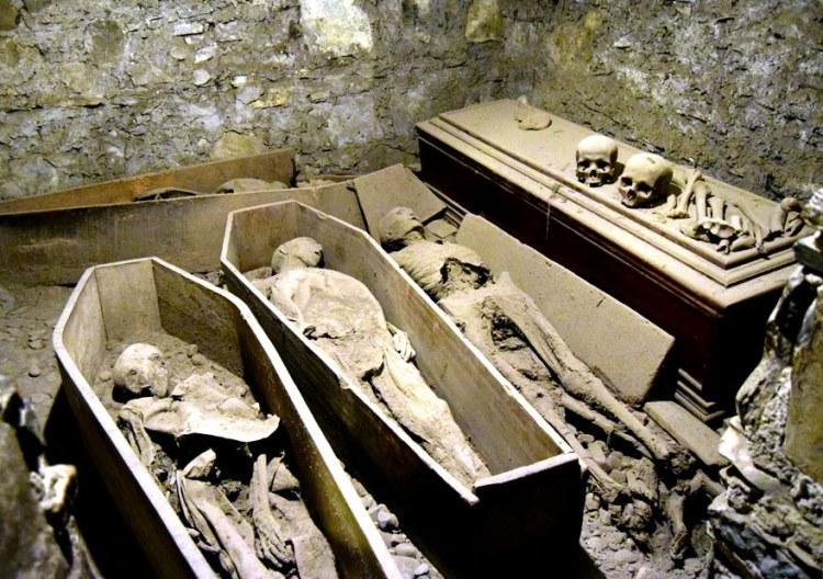 Supernatural-Dublin-St-Michans-Church_0087_880x620