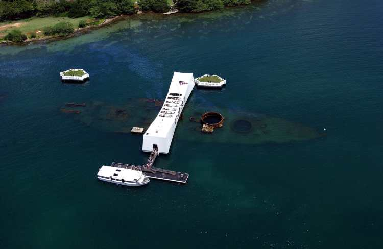 USS_Arizona_Memorial_(aerial_view).jpg