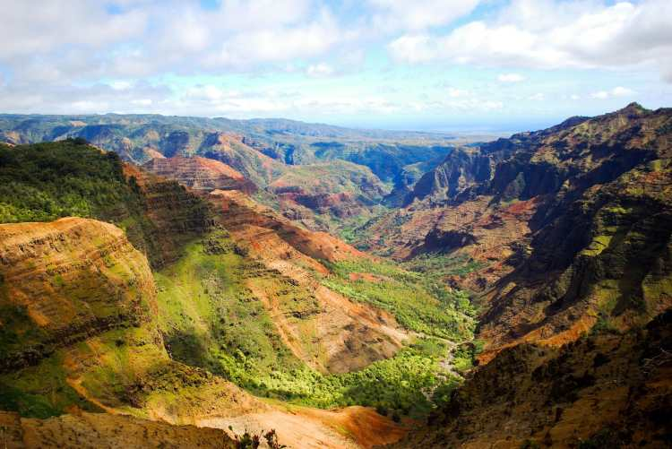 Waimea_Canyon_mar_2010.jpg