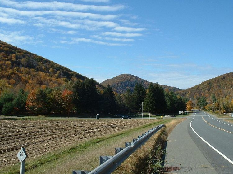 1024px-Charlemont-Mohawk_Trail