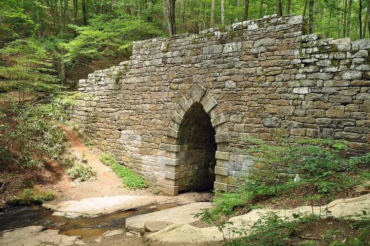 1599px-Poinsett_Bridge,_Greenville_Country,_South_Carolina