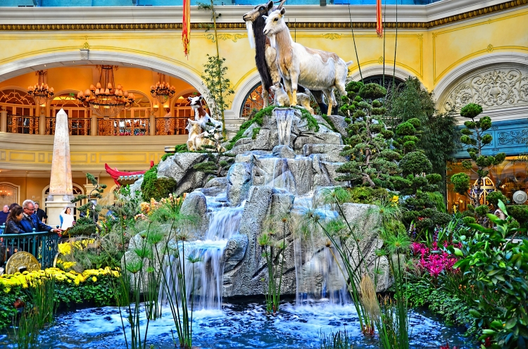 Bellagio_Conservatory_and_Botanical_Gardens_-_Las_Vegas_Year_of_the_Goat_16296643105