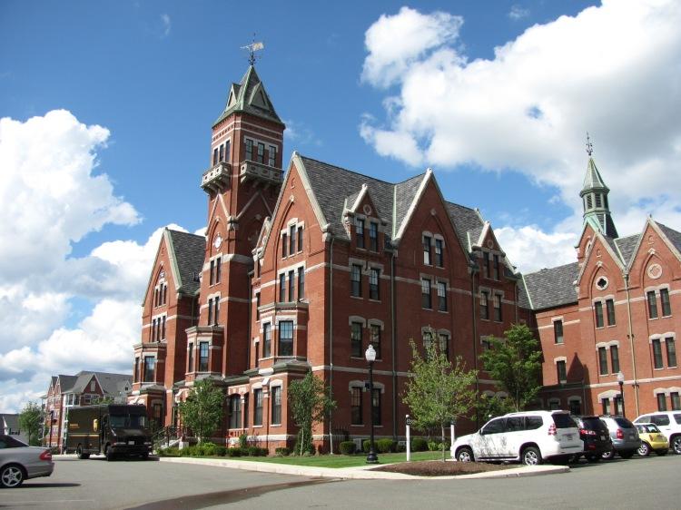 Former_Danvers_State_Hospital,_Danvers_MA