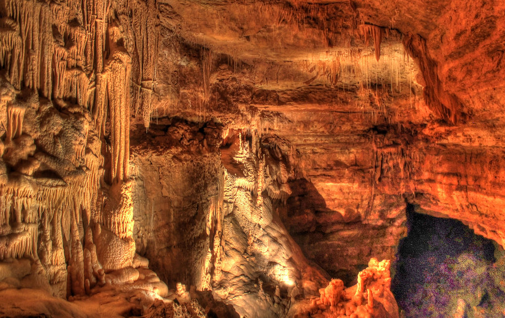 Gfp-texas-natural-bridge-caverns-big-cave-formations