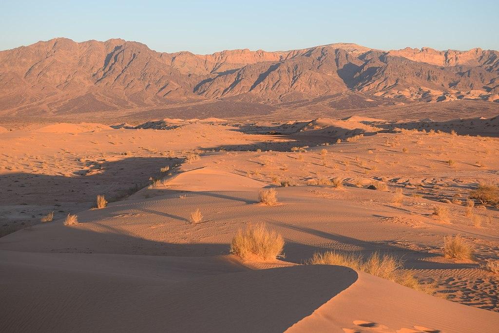 1024px-Wadi_Araba_Dunes_at_Sunset