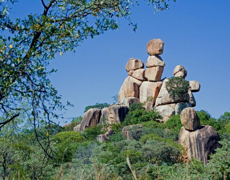 Balancing_Rocks_in_Matopos_National_Park