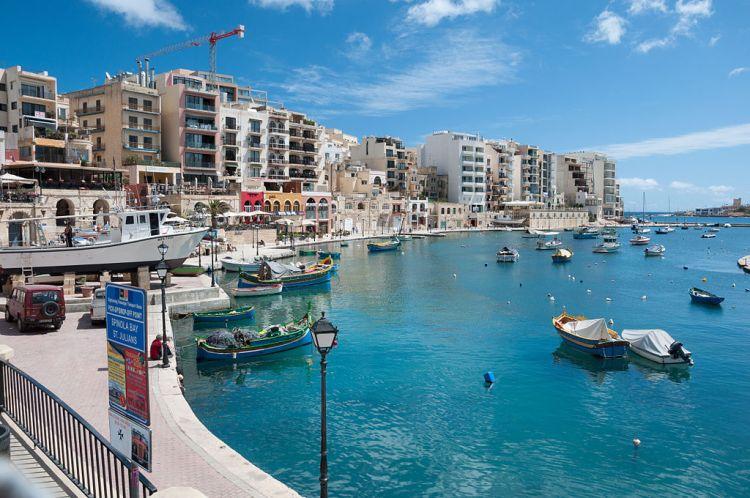Malta,_Spinola_Bay