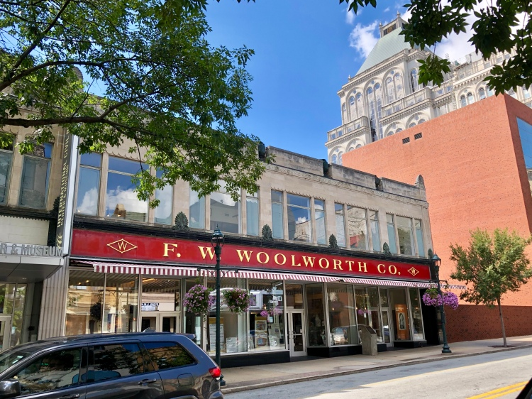Old_Woolworth's_Department_Store,_Greensboro,_NC