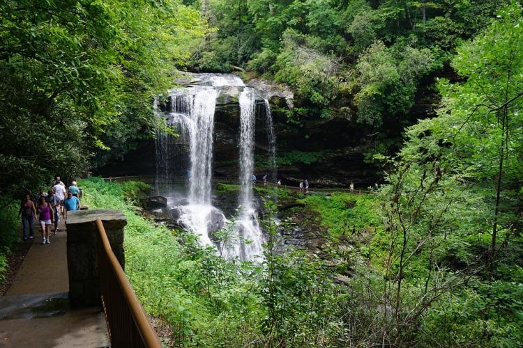 waterfall-1978665_960_720